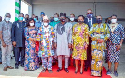 Inauguration de l'unité de transformation du manioc en amidon à Atakpamé par Le Premier Ministre Victoire Dogbé